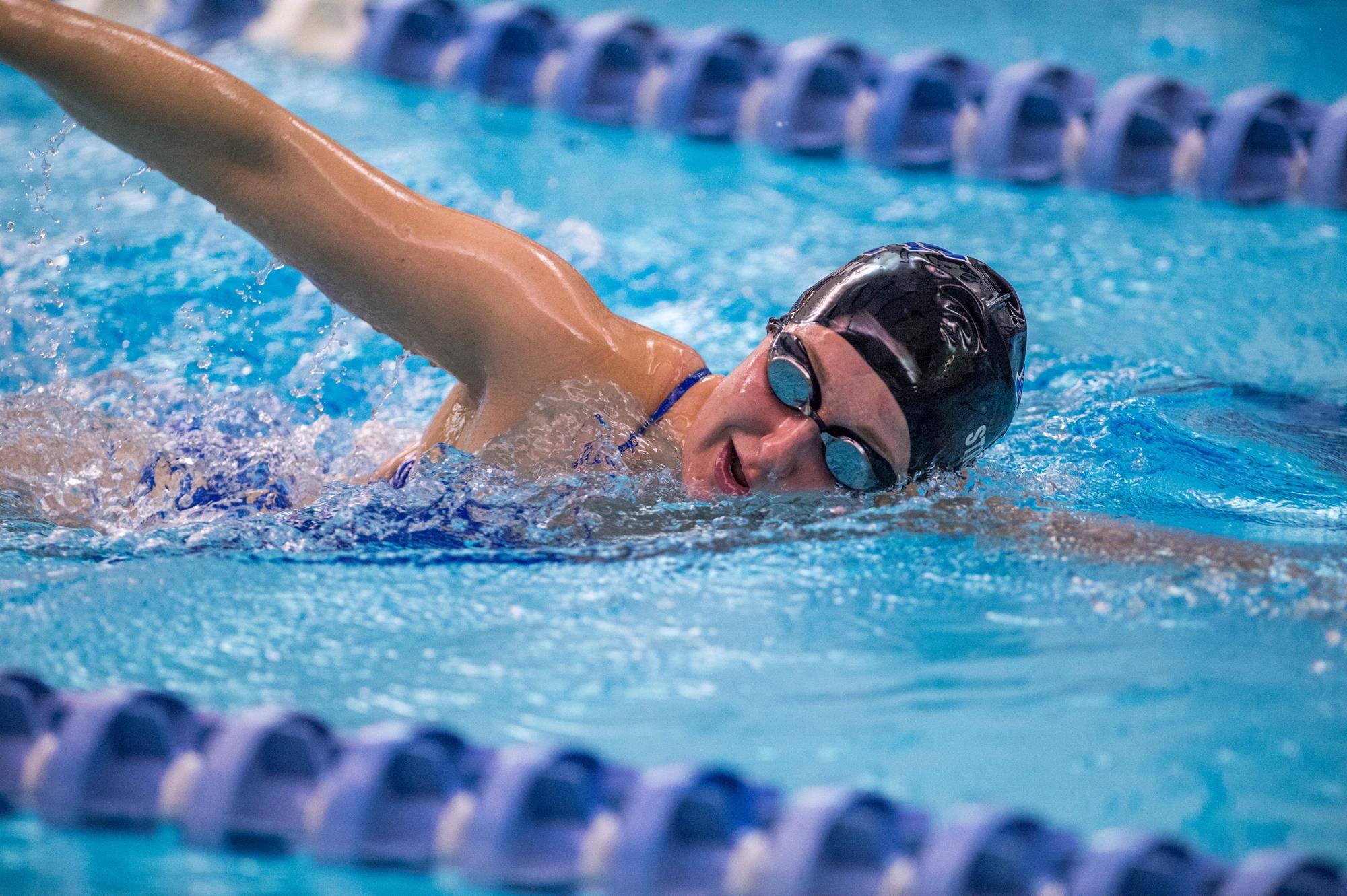 Bơi đều đặn rất tốt cho bệnh huyết áp thấp